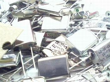 Assortiment Quartz kristallen Through hole 100 stuks