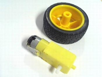 Motor met vertraging en wiel